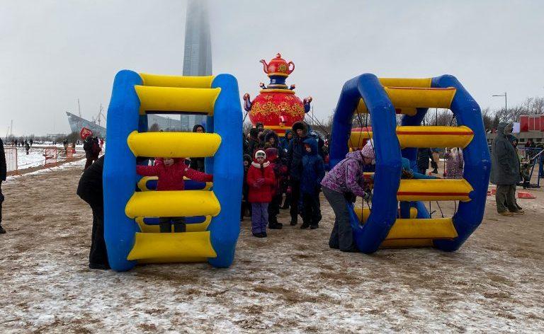 В парке 300-летия СПб прошел масленичный фестиваль