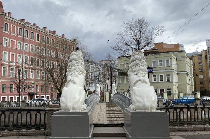 Безлюдный Петербург: каким стал центр города в режиме самоизоляции